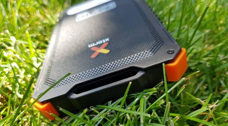Xtorm AM122 : batterie externe de 5000 mAh, avec chargeur solaire