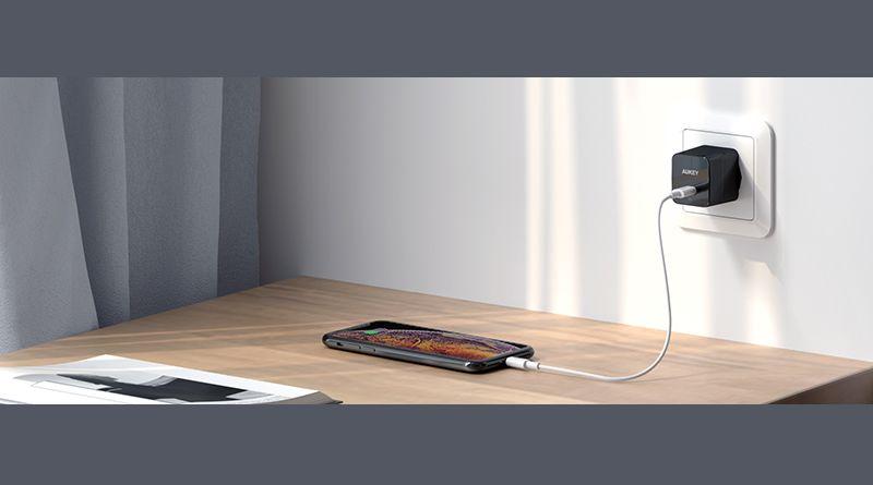 Bon plan : le chargeur USB-C 18W d'AUKEY à -50% !